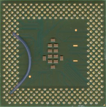 Intel Celeron 1300 (back side)